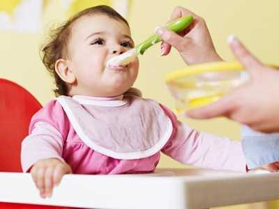 1岁宝宝?#22902;?#19981;爱吃饭 这4个妙招让宝宝爱上吃饭